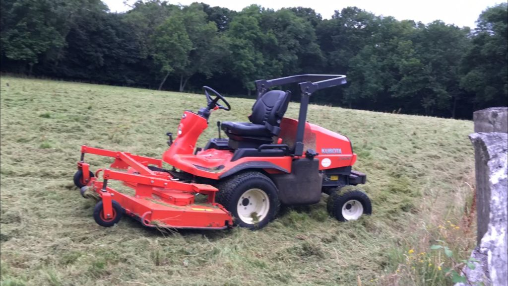 Paddock cutting Guildford, Surrey